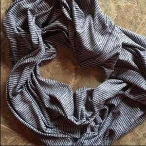 Lululemon Vinyasa Scarf Static Wave Grey Rulu
